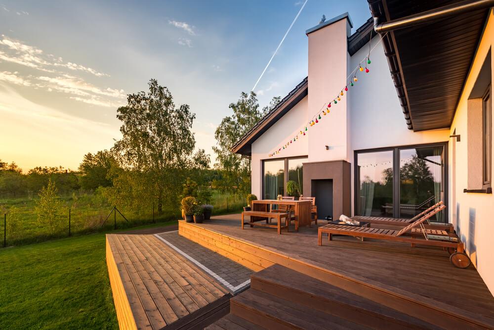 Vyvýšená terasa pri dome Bratislava Terasa Snov